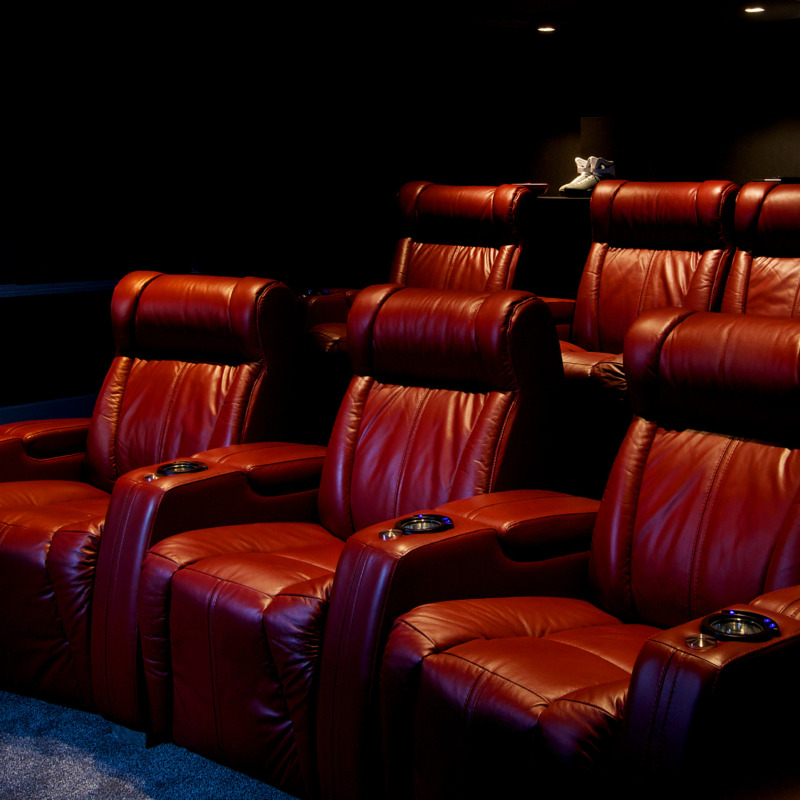 What Can I Watch on a Home Cinema?