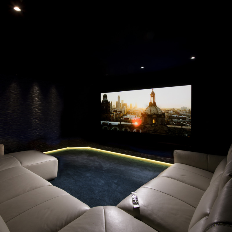Luxury Home Theater – The Fastest Growing Home Tech Trend 1